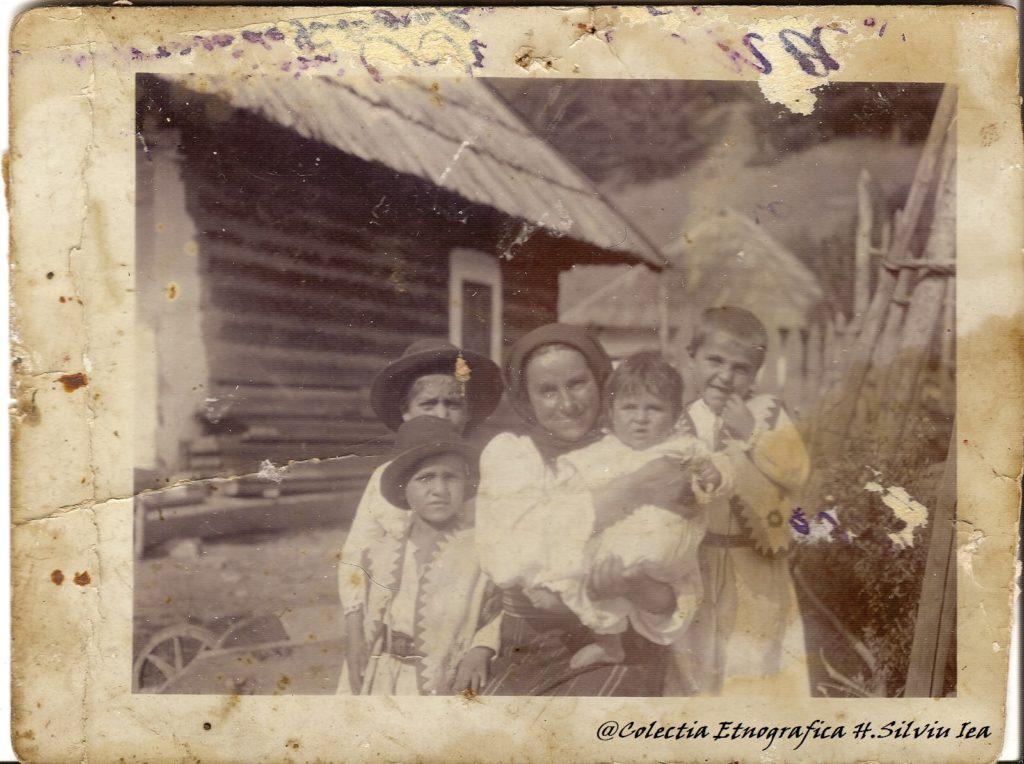 mama-lu-petru-ungureanu-cu-copii